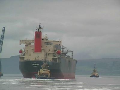 Anemona - Bulk Carrier - Passing Greenock Ocean Terminal