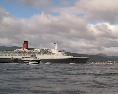 QE2 Enters the River Clyde for Her Final Journey