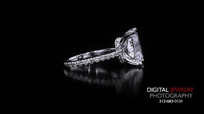Cushion Cut Melee Diamond Ring 03
