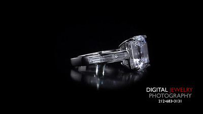 Emerald Cut Diamond Ring with baguettes 02