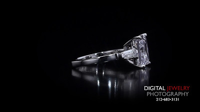 3 Stone Radiant Cut Diamond Ring 04