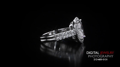 Cushion cut Diamond Halo ring 02