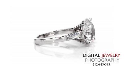 Round Diamond Baguette Ring On White 03_1