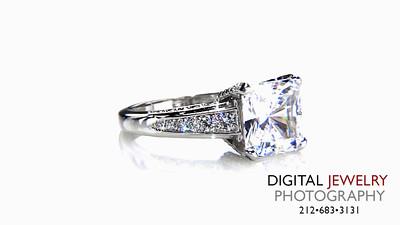 Princess Cut Diamond ring Pave on white_1