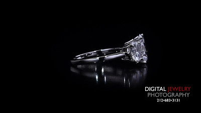 3 Stone Diamond Oval Ring 03