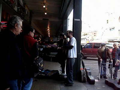 Pike Place Market - Bad Folk Singing - 4/29/07
