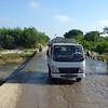 On the road between Mandalay and Bagan