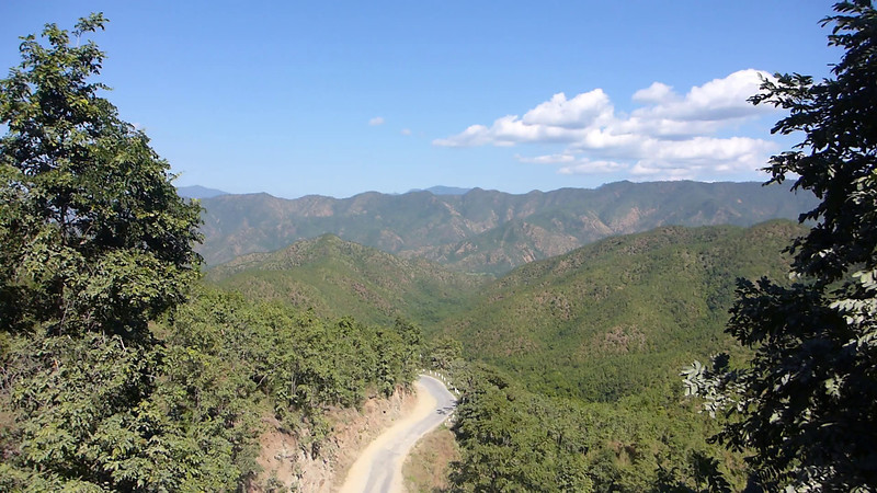 Descent from the Shan Highlands along the terrible road between Ywangan and Kyaukse