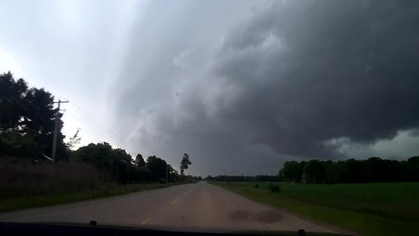 Incoming Shelf Cloud. June 10th, 2020. Belmont, Ontario.