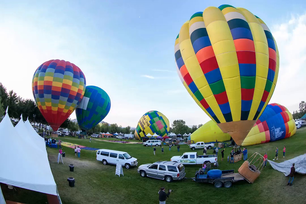 Temecula Balloon Festival's sunrise liftoff