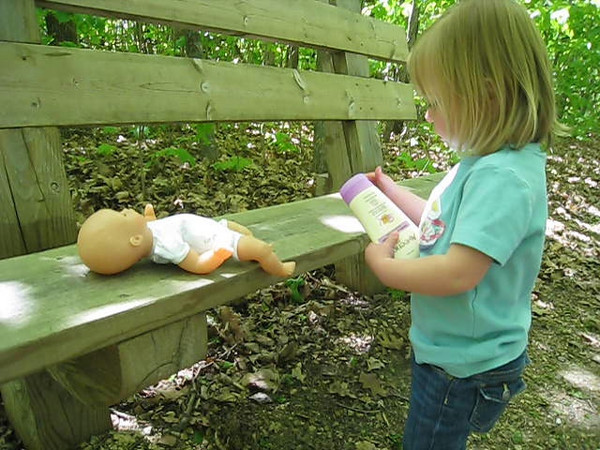 Stopping to change a diaper in Frontenac State Park<br /> May 17, 2009
