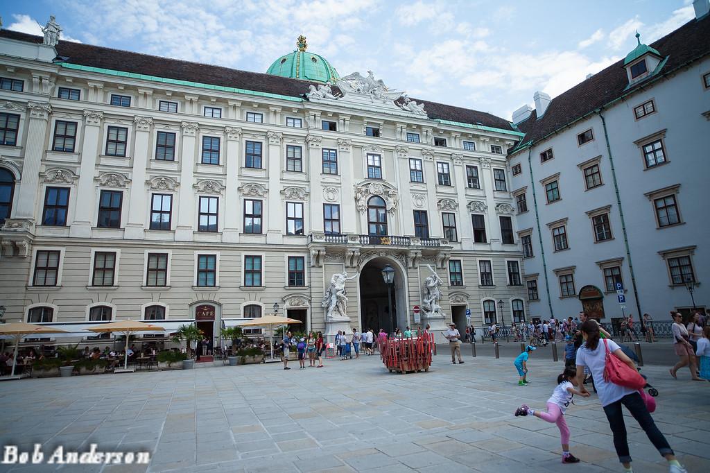 The square, In de Burg