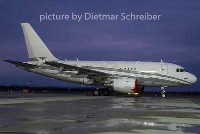 2008-12-25 LX-GJC Airbus A318