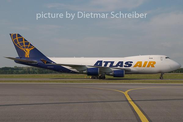 2009-05-18 N418MC Boeing 747-400 Atlas Air