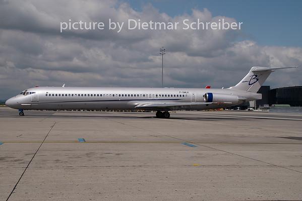 2009-05-19 F-GMLK MD80 Blueline