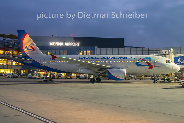 2010-12-30 VQ-BDM Airbus A320 Ural AIrlines