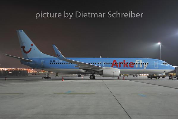 2011-12-14 PH-TFB Boeing 737-800 Arkefly