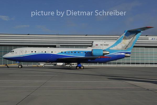 2011-12-08 RA-42387 Yakovlev 42