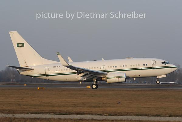 2012-12-13 HZ-101 Boeing 737-700 Saudia Arabian Government
