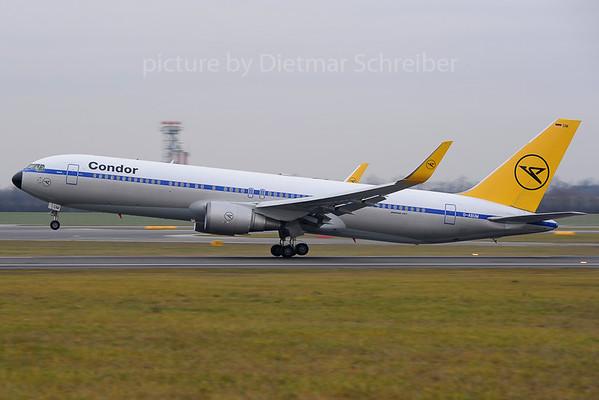 2013-12-11 D-ABUM Boeing 767-300 Condor