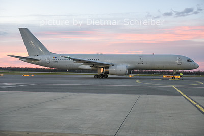 2014-12-23 OO-TFA Boeing 757-200 ASL