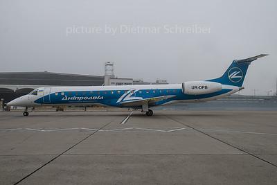 2015-12-25 UR-DPB Embraer 145 Dniproavia