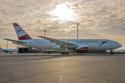 2015-12-24 OE-LPD Boeing 777-200 Austrian Airlines