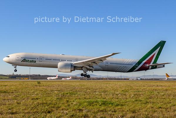 2020-11-18 EI-WLA Boeing 777-300 Alitalia