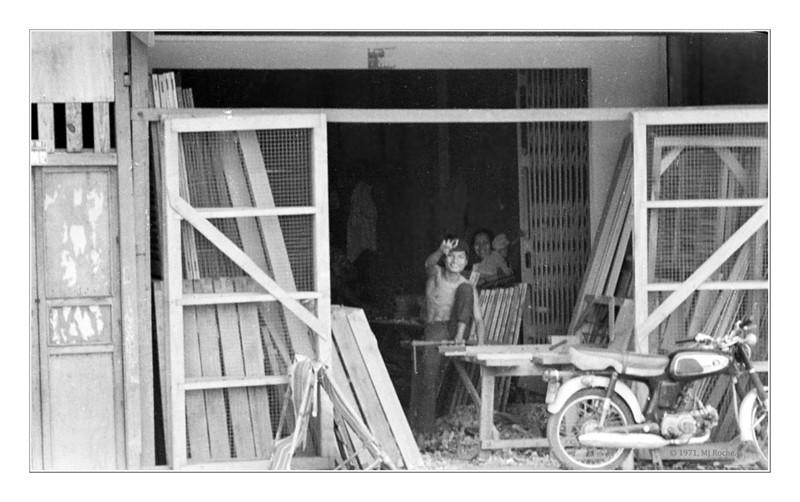 Street scene near Saigon. © 1970, MJ Roche.