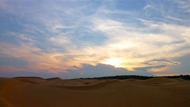 Sunset at Mui Ne Sandunes