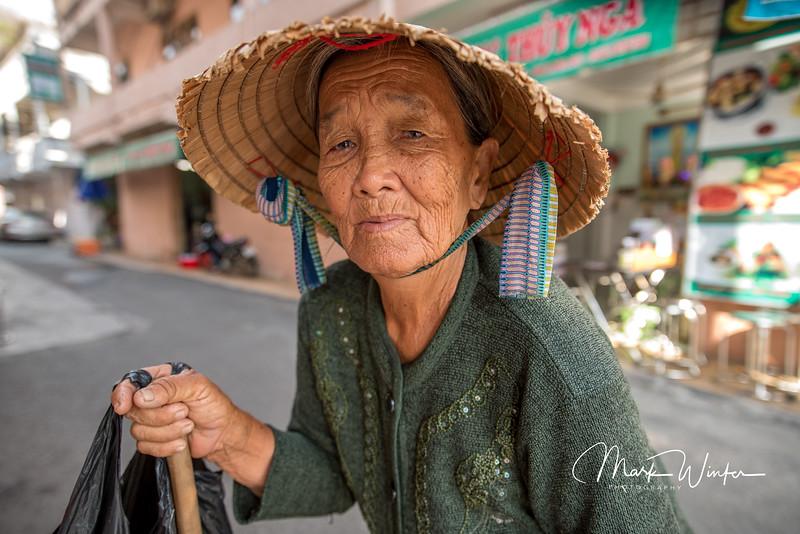 Lottery tickets seller, Ba Ria