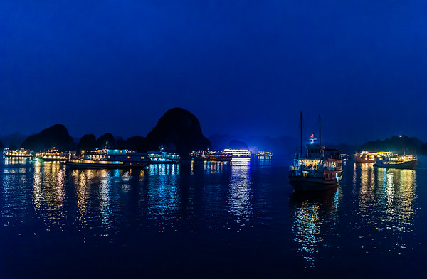 Hoi An Bay 4 - Night time