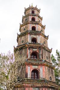 Hoàng Thành Thăng Long 8 Pagoda