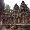 Pink sandstone temple: Banteay Srei