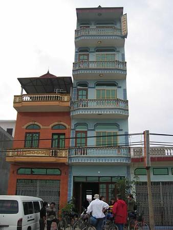 Hotellet i Phat Tich där vi övernattade under vår cykeltur i Bac Ninh