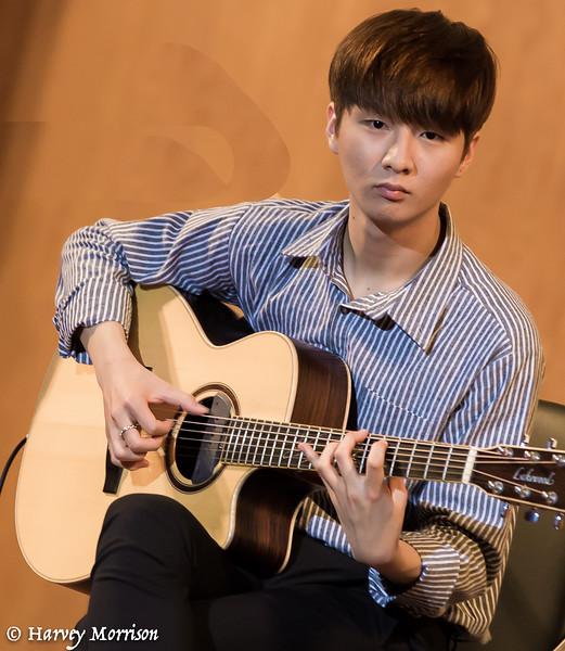 Sungha Jung Fingerstyle Guitar in Saigon