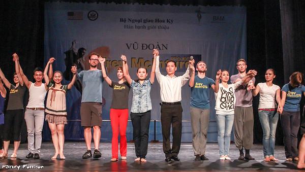 Trey McIntyre Project meets Vietnam's Bong Sen Dancers