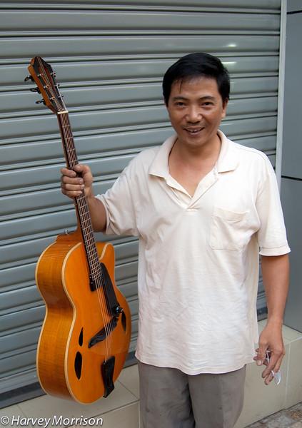 Duy Ngoc Vietnam Luthier