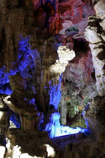 050 Dau Go Cave, Halong Bay