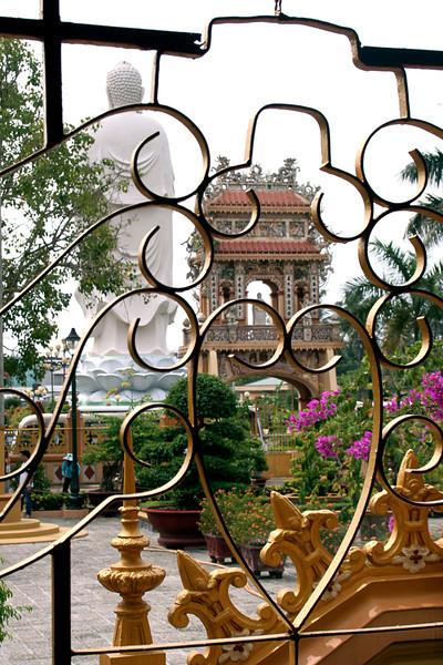 013  Vinh Trang Pagoda, My Tho