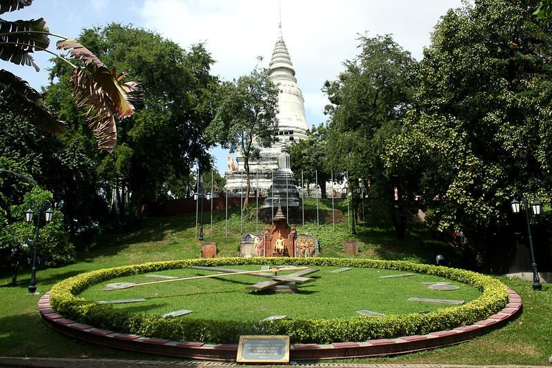 050 Wat Phnom
