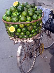 Oranges in Saigon, Vietnam, photographed in March 2008