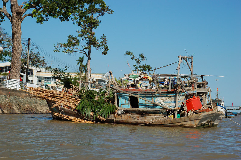 A boat at the Ben Tre docks.