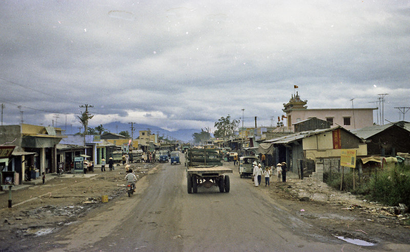 Da Nang itself in 1972 was decidedly grubby.  But its setting by a bay, with a great beach and surrounded by mountains was fantastic.  I've heard there are resorts there now and golf courses are on the way.