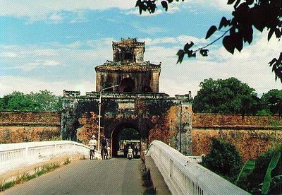 01-HIEN NHON GATE