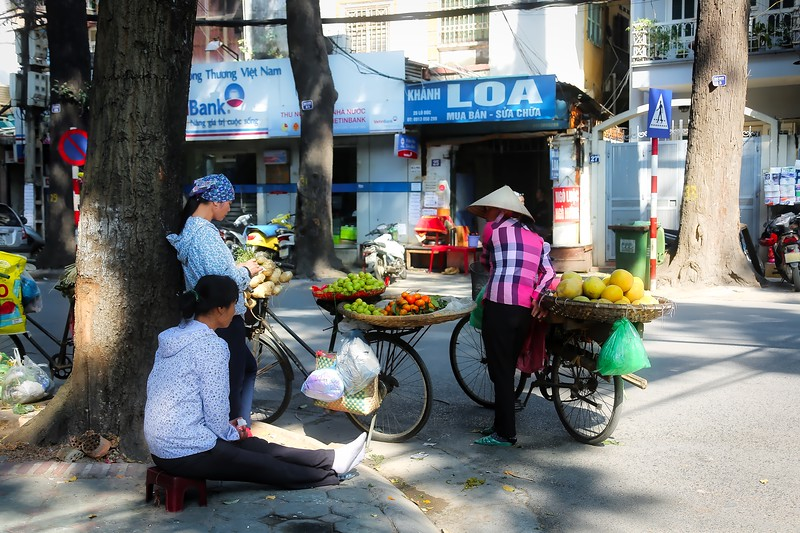 Hanoi - Stopping for a chat 002