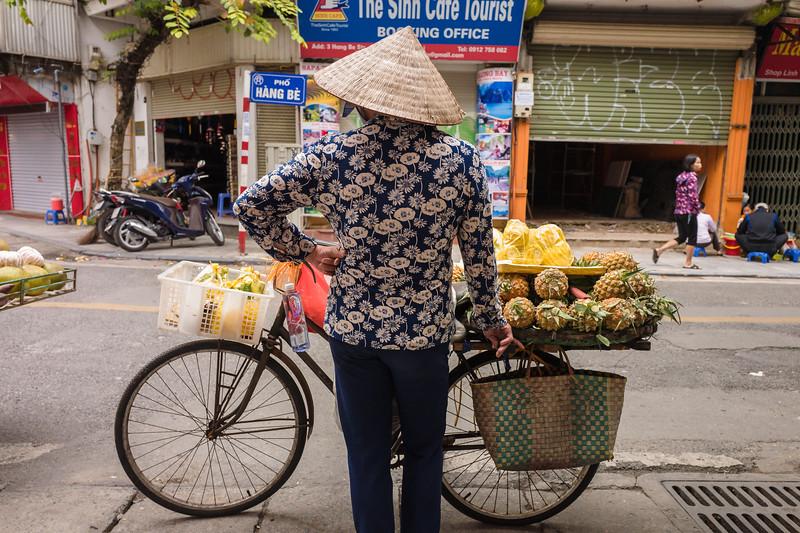 Pineapple lady, Hanoi 2018