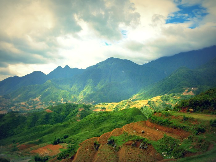 Scenic mountain views over Sapa, Vietnam.