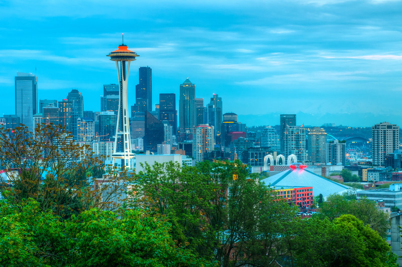 Another shot from Kerry Park.  This was a 7 exposure HDR, but I didn't use the +2 and +3 shots.