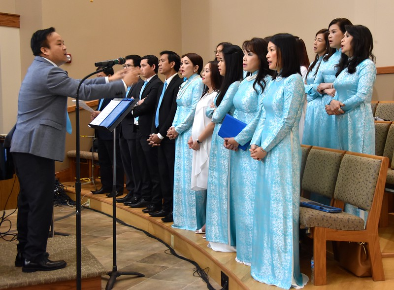 The Vietnamese choir